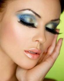 В салоне красоты ОБЕРЕГ появились новые услуги: наращивание ресниц и макияж. Весь апрель в салоне АКЦИЯ: при любой процедуре стоимостью от 1000р. - макияж в подарок! Тел: +7(962)611-00-15